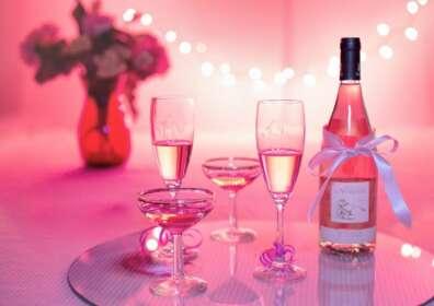 Wino w kolorze różu