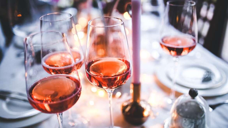 Czerwone i białe – czym różnią się wina?